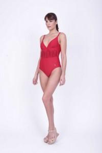 Adriana Costantini traje de baño enterizo rojo verano 2016