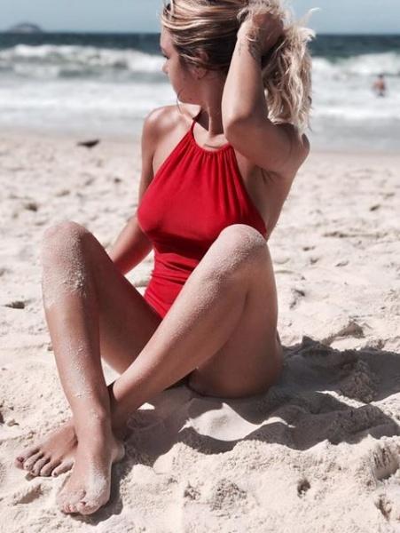 malla enteriza roja cuello redondo Filpa verano 2018