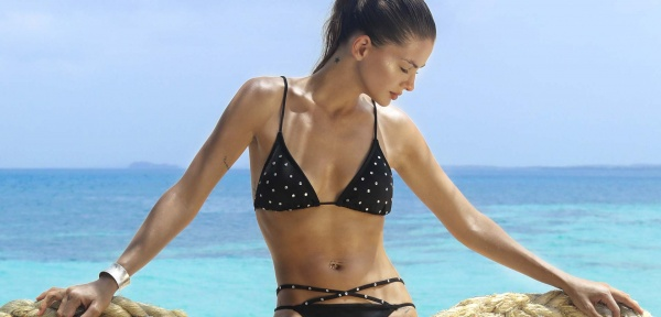 Bikini negra verano 2018 - Sweet Lady - China Suarez