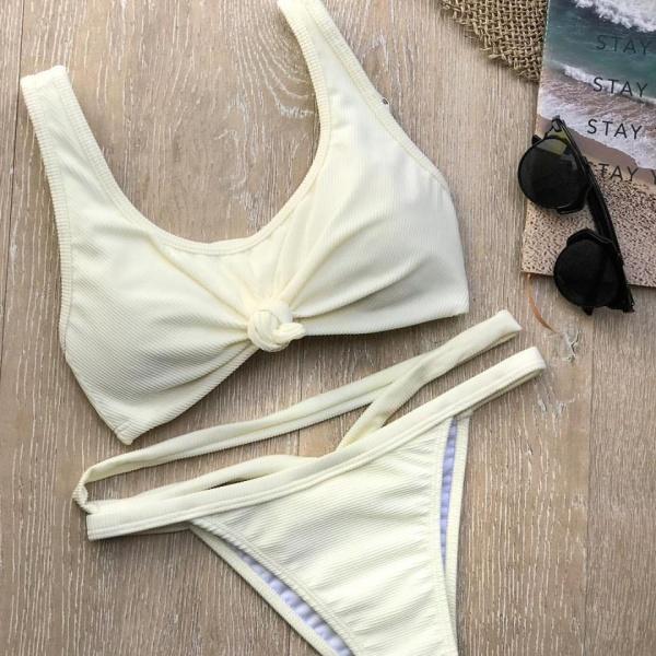 bikini amarillo claro verano 2018 - Compañia del Sol