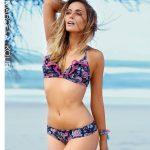bikini azul estampada Marcela Koury verano 2018