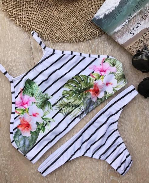 bikini con rayas y flores verano 2018 - Compañia del Sol