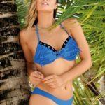 bikini turquesa con flecos Marcela Koury verano 2018