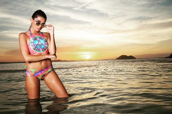 bikinis colores fluor verano 2018 - Promesse