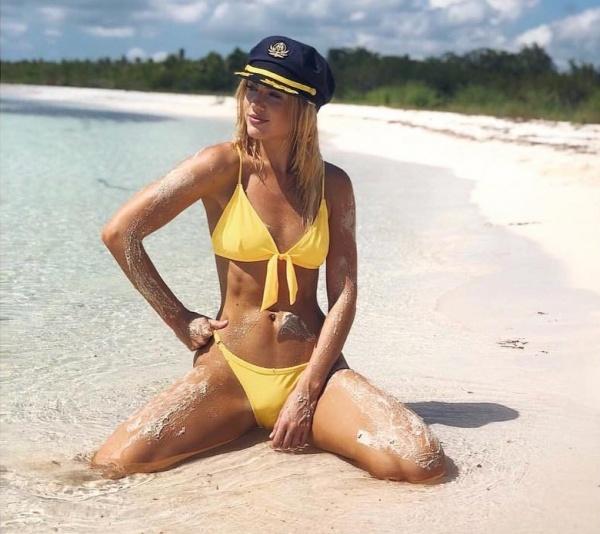 bikini amarilla anudada - trajes de baño Luz de Mar verano 2019