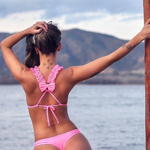 bikini con voladitos y moño en espada shida verano 2019