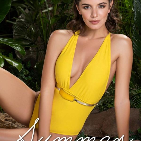 Malla enteriza amarilla verano 2019 Andressa