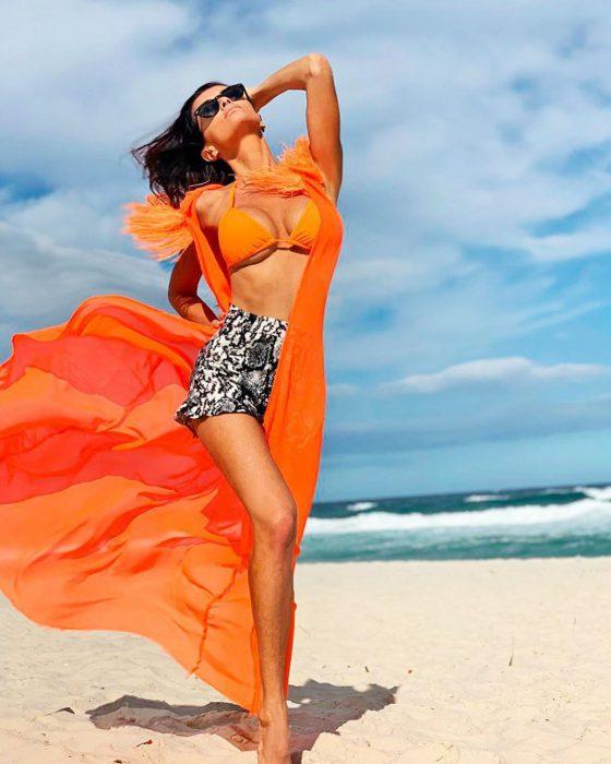 bikini naranja Fluor Paz Cornu Verano 2020