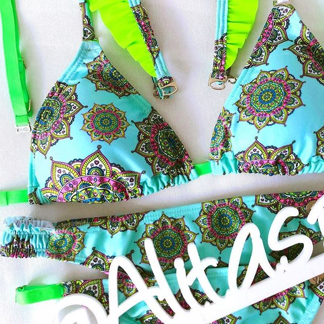 bikini detalle neon verano 2020 Alitas