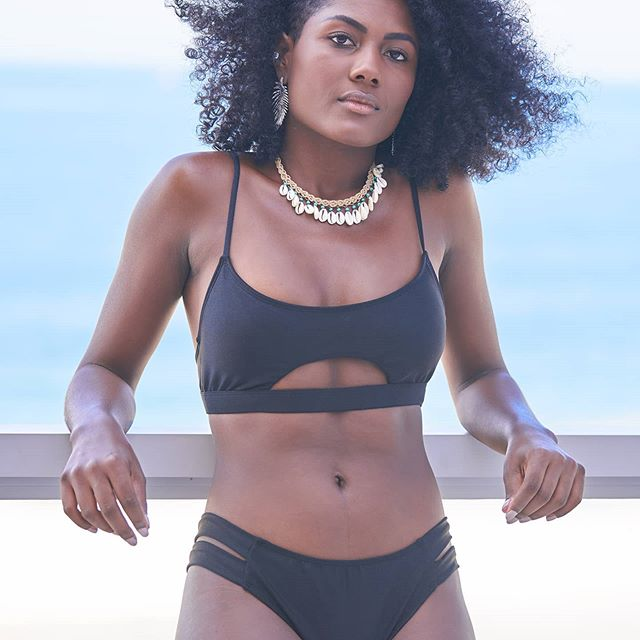 bikini negra Saint Mal