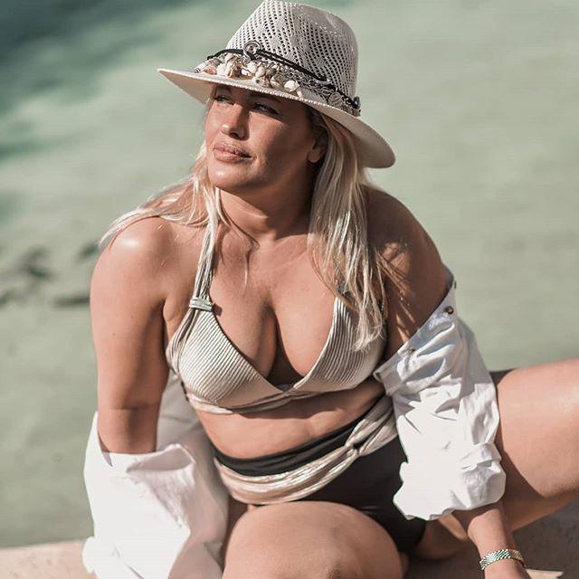 bikini talle grande verano 2021 Maria Lolgi