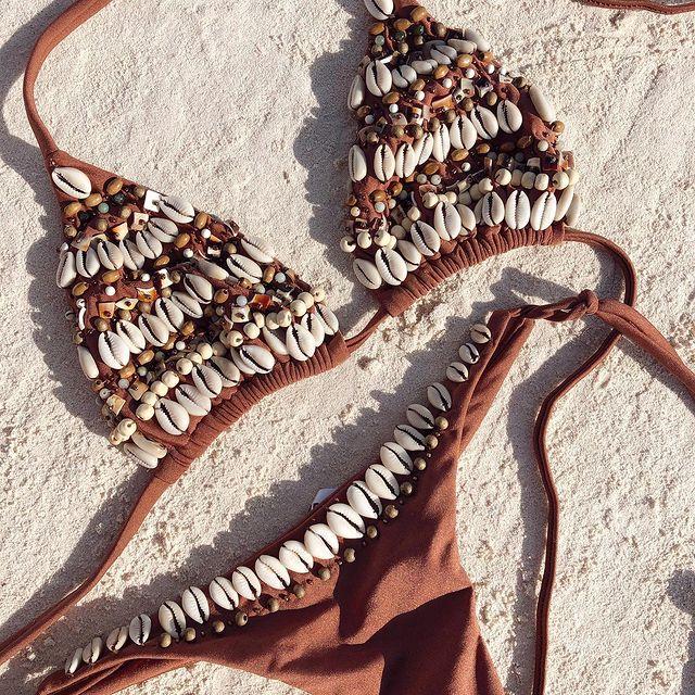 bikini marron con caracoles compania de sol verano 2022