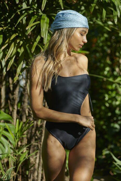 trikini negra verano 2022 Andressa